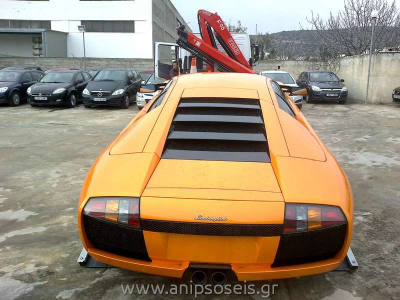 Mεταφορά αυτοκινήτων με γερανό