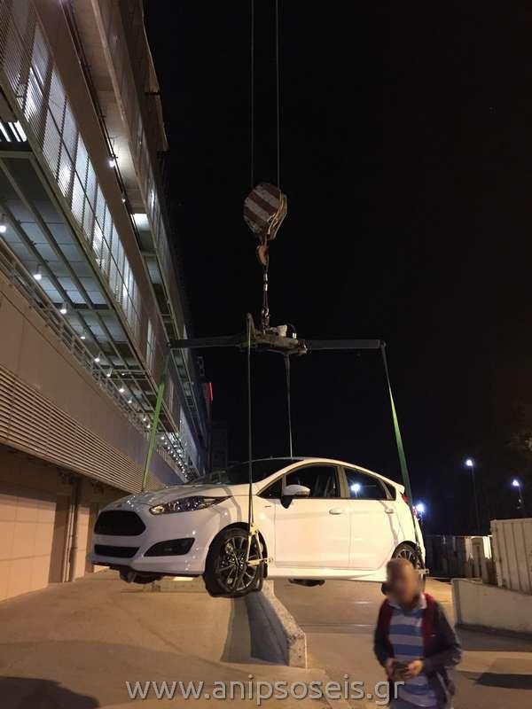 Ανύψωση εκθεσιακών αυτοκινήτων (3)