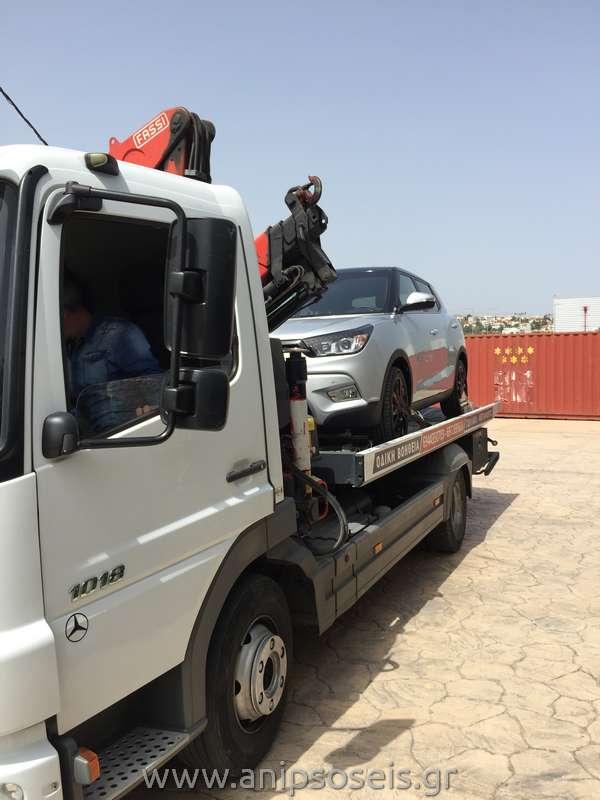 Μεταφορά με γερανό νέου αυτοκινήτου TIVOLI (1)