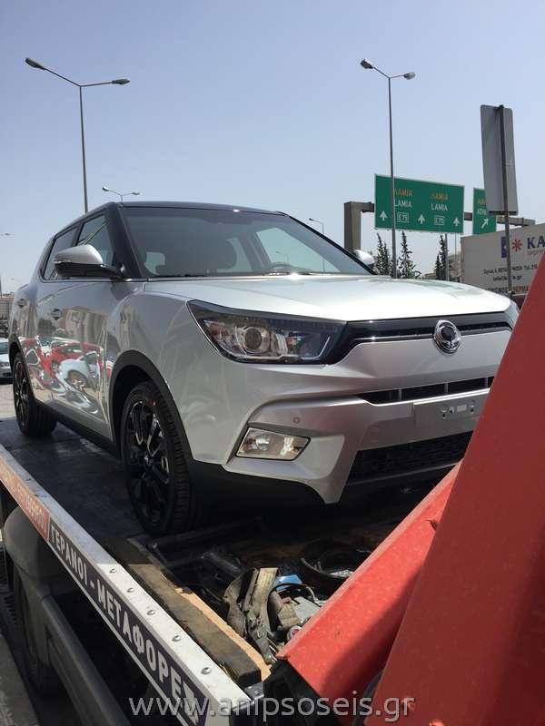 Μεταφορά με γερανό νέου αυτοκινήτου TIVOLI (5)