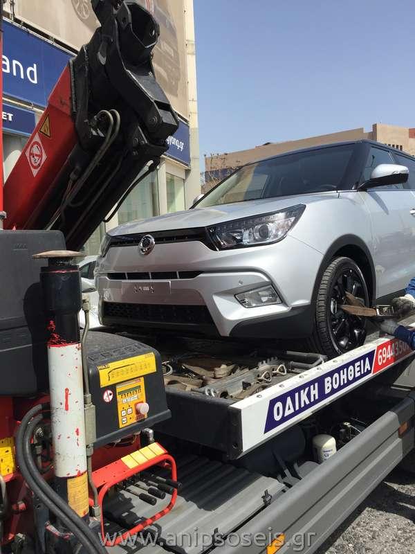 Μεταφορά με γερανό νέου αυτοκινήτου TIVOLI (6)