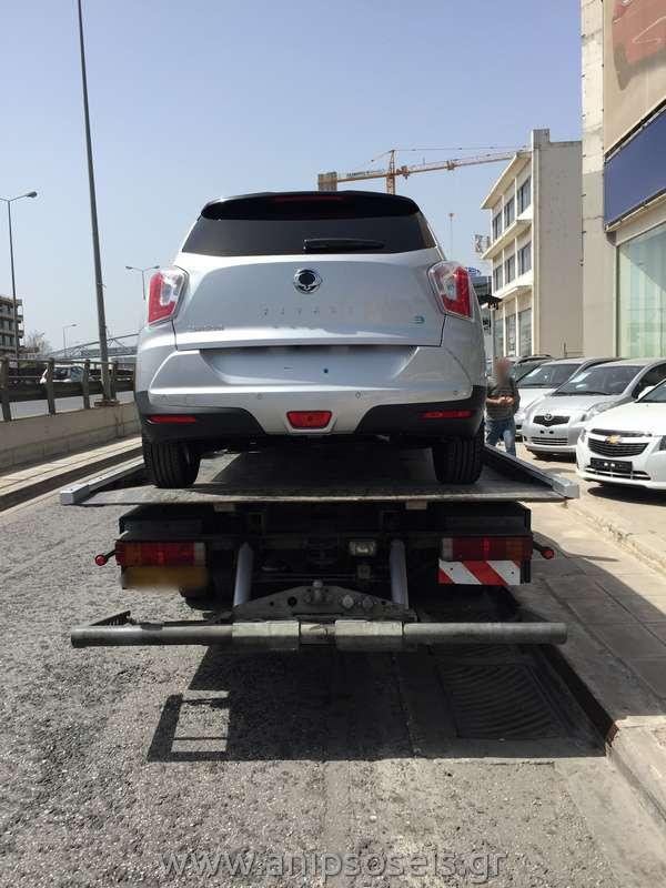 Μεταφορά με γερανό νέου αυτοκινήτου TIVOLI