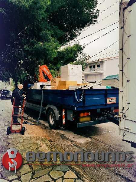 Μετακόμιση με ρυμούλκα και ανυψωτικό μηχάνημα από την εταιρία Νίκος Θωμόπουλος